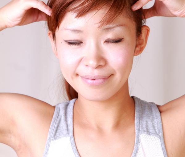 顔のたるみは頭皮のたるみ?その理由と対策法