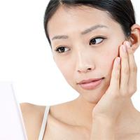 原因は水分不足? 脂性肌の原因と改善方法