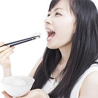 美容も健康も? 咀嚼が女性にもたらす3つのメリット