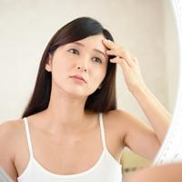 マイナスの印象になる? 眉間のシワの原因と解消方法