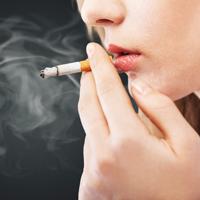活性酸素が老化を進める? タバコが肌に与える3つの悪影響