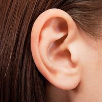見落とし注意! 夏前に確認したい「耳」の日焼け対策方法