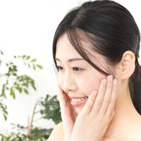 老け顔の原因「ほうれい線」を改善するフェイスエクササイズ3つ