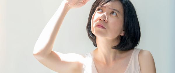 紫外線から肌を守って頬のたるみやほうれい線を防ぐ