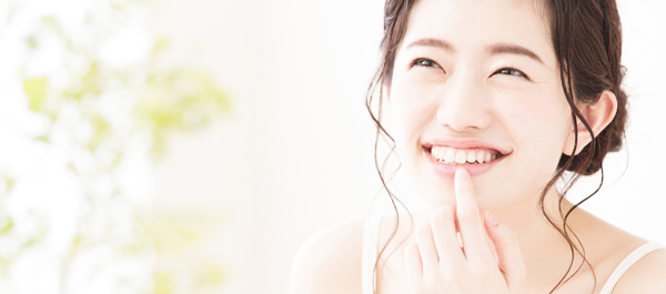 唇に使用できる保湿剤でしっかりと保湿ケアをする