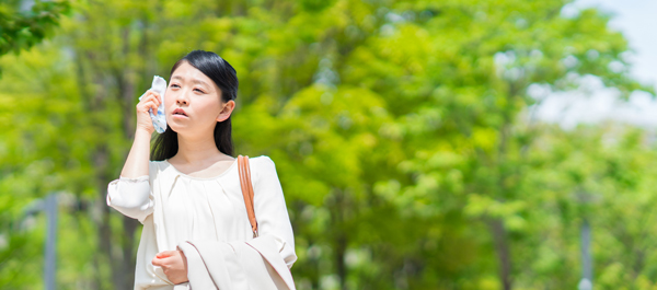 【テカリ肌注意】夏になると皮脂が増加する理由&対策