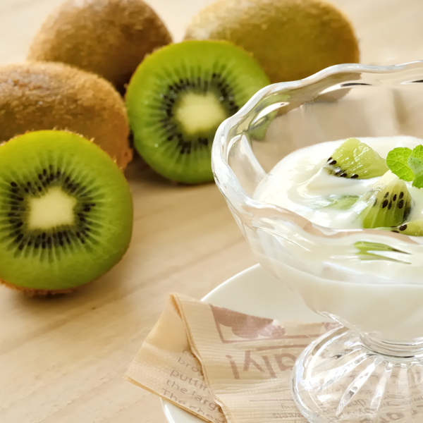ビタミンCたっぷり「キウイ」の美容効果! 食べ方の注意点もチェック