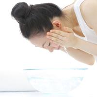 長時間の洗顔が肌トラブルの原因に!? 洗顔にかける時間の目安とは