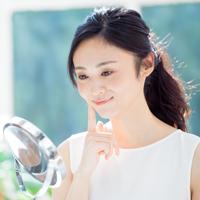 肌のうるおいに関わる「ヒアルロン酸」の働き・重要性とは