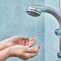 お風呂での洗顔には危険がいっぱい!? 肌トラブルを防ぐポイント
